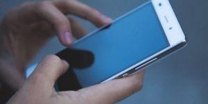 Rusya, Corona virüs riski altındaki insanları cep telefonlarından takip edecek