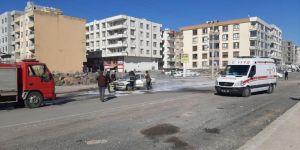 Viranşehir'de seyir halindeki otomobil alev alarak yandı