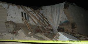 Çınar Yaprakbaşı'nda kerpiç ev çöktü 2 kardeş hayatını kaybetti