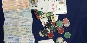 Gazipaşa'da sosyal mesafeye uymayan ve kumar oynayan 13 kişiye 57 bin lira ceza kesildi