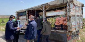 Gölbaşı'da karantinaya alınan köylere sebze ve meyve dağıtıldı