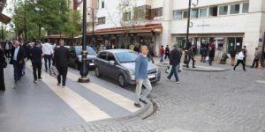 Sokağa çıkma yasağı sonrası Diyarbakırlılar dışarıya akın etti