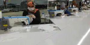 Viranşehir'de bir tekstil fabrikası günde 40 bin adet maske üretiyor