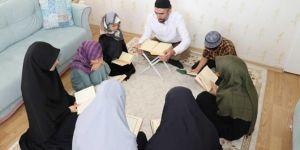 Bu Ramazan Kur'an sedaları evlerde yankılanıyor
