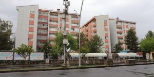 Diyarbakır'da İstasyon Caddesi'nde 2 bina karantina altına alındı