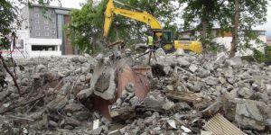 Âtıl durumdaki Adıyaman Halk Kütüphanesi'nin yıkımı nihayet gerçekleştirildi