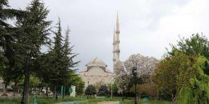Gaziantep'te Camilerden gün boyu dua ve tekbir sesleri yükseliyor