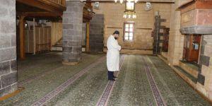 Normalleşme sürecinde ilk olarak camiler ibadete açılsın talebi