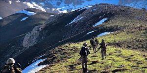 Hakkâri'de PKK'ye ait patlayıcı madde ve mühimmat ele geçirildi