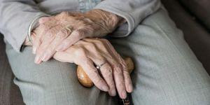 Covid-19 için neden yaşlılar risk altında?