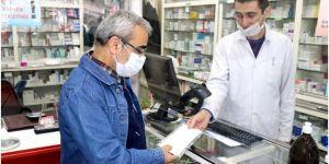 """Gaziantep Eczacılar Odası: """"Yaklaşık 2 TL'ye alınan maskeler, 1 TL'den satılamaz"""""""