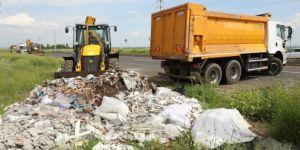 Diyarbakır Büyükşehir Belediyesi hafriyat ve moloz atıklarını temizledi