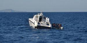 Yunan askerlerinin ölüme terk ettiği göçmenler kurtarıldı