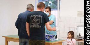 Avusturya'daki bir camide iftar yemeği yerine evsiz muhtaçlara yemek dağıtıldı