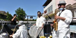 Diyarbakırlılar: Tur otobüsünde çalınan şarkılar Ramazan ayının ruhuna uygun değil