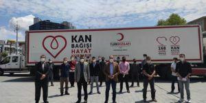 HÜDA PAR İstanbul İl Başkanı Elibüyük, Kızılay'a kan bağışında bulundu