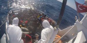 Çanakkale açıklarında 31 düzensiz göçmen kurtarıldı