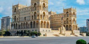 Azerbaycan'da vaka sayısındaki artış nedeniyle hafta sonu sokağa çıkma yasağı uygulanıyor