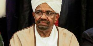 Sudan'da, Ömer el-Beşir'e yakın kamu görevlilerinin işine son verildi
