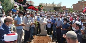 PKK'nin bombalı saldırısında hayatını kaybeden asker memleketi Midyat'ta defnedildi