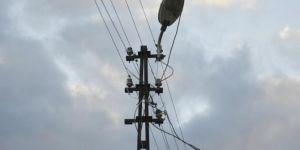 Adana Seyhan'da elektrik akımına kapılan boyacı hayatını kaybetti