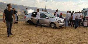 Yeni Hasankeyf yolunda kaza: 2 yaralı