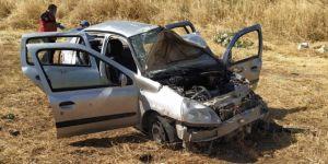 Kurtalan'da yoldan çıkan otomobil tarlaya uçtu: 5 yaralı