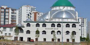 Dicle EDAŞ Diyarbakır'da caminin elektriğini kesti