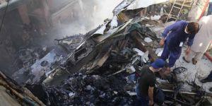 Pakistan'daki uçak kazası raporu: Pilotlar Covid-19'dan konuşuyordu