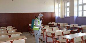 Şanlıurfa Viranşehir'de okullar sınav öncesi dezenfekte edildi