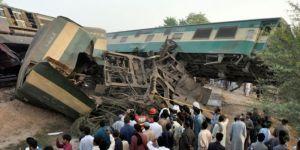 Pakistan'da meydana gelen tren kazasında 19 kişi hayatını kaybetti