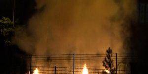 Diyarbakır Kayapınar'da patlatılan havai fişekler evin bahçesinde yangına sebep oldu