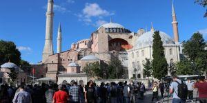 Ayasofya'nın cami olarak açılması kararı sevinçle karşılandı