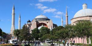 Vatandaşlar: Ayasofya'nın ibadete açılması kararı geç kalınmış güzel bir karardır