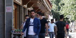 Covid-19 vakalarının arttığı Diyarbakır'da kurallara yeterince uyulmuyor