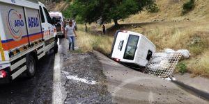 Bitlis-Diyarbakır Karayolu'nda meydana gelen kazada 3 kişi yaralandı