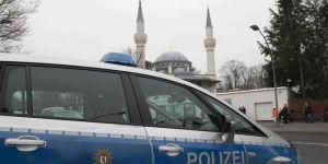Almanya'da Türkiyeli esnafa tehdit mektupları: Camileri yakacağız