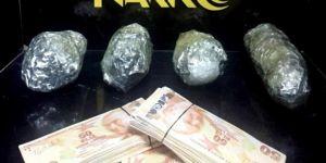 Bitlis'te durdurulan araçta 1 kilo uyuşturucu ele geçirildi