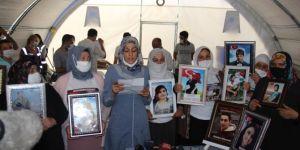 Evlat nöbetindeki ailelerden, Almanya'da evlat mücadelesi veren aileye destek
