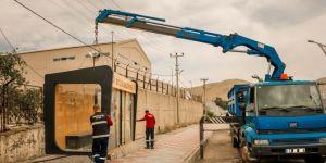 Bitlis Belediyesi, ihtiyaç duyulan noktalara yeni duraklar koydu