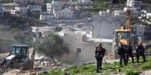 Siyonist işgal rejimi, el-Halil'de bir Filistinlinin daha evini yıktı