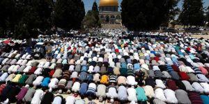 27 bin kişi Kurban Bayramı namazını Mescid-i Aksa'da kıldı