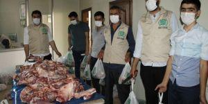 Bitlis Umut Kervanı yüzlerce aileye kurban etini ulaştırdı