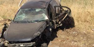 Diyarbakır'da otomobil kaza yaptı: 2 yaralı