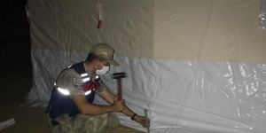 Pütürge'de depremde evleri zarar görenlere çadır kurulmaya başlandı