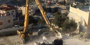 İşgalci siyonistler Kudüs'te Filistinlilere ait 20 binayı yıktı